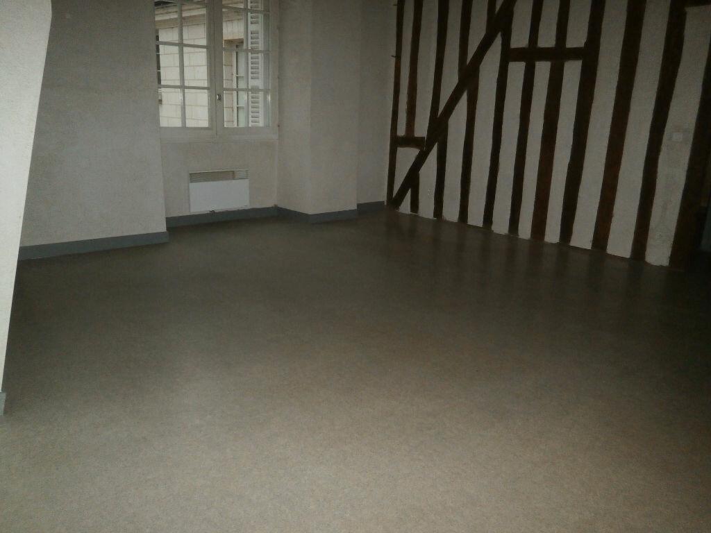 Appartement à louer 2 53.6m2 à Tours vignette-2