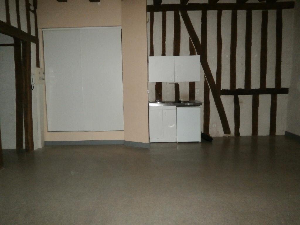Appartement à louer 2 53.6m2 à Tours vignette-3