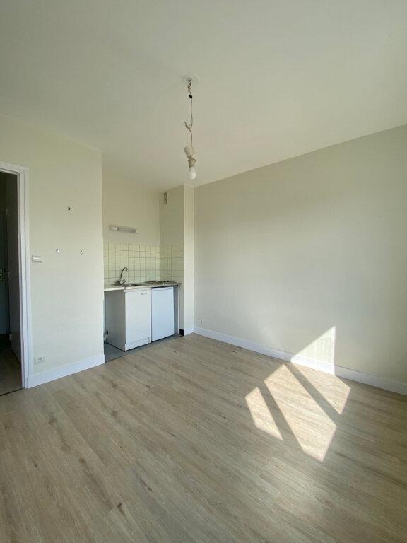 Appartement à louer 1 17.74m2 à Tours vignette-1
