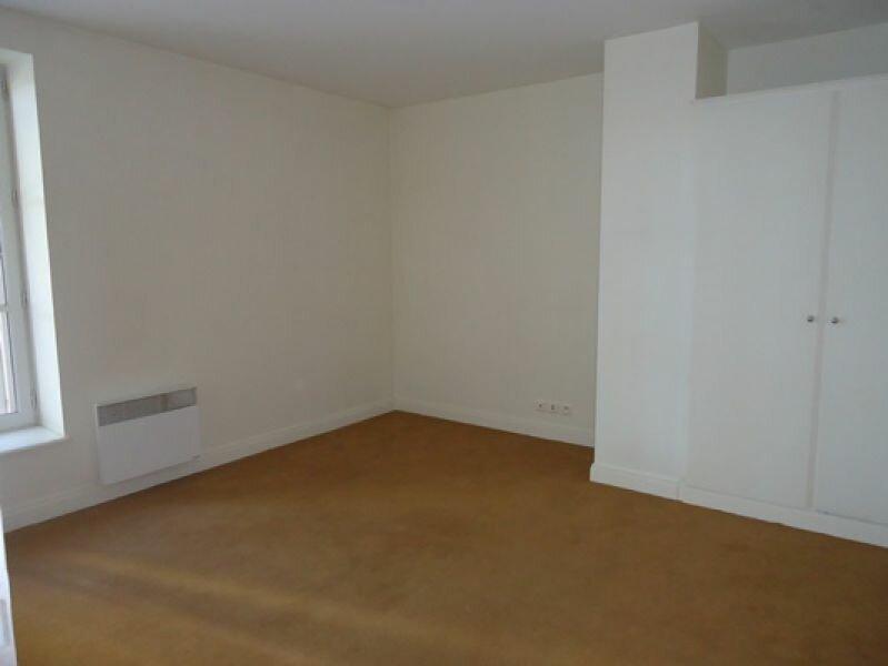Appartement à louer 3 74.8m2 à Tours vignette-2
