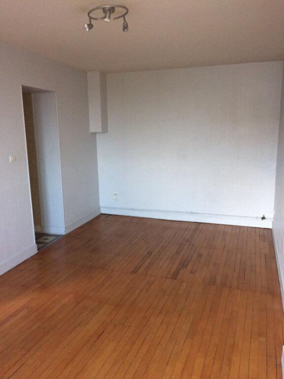 Appartement à louer 3 55.01m2 à Tours vignette-1