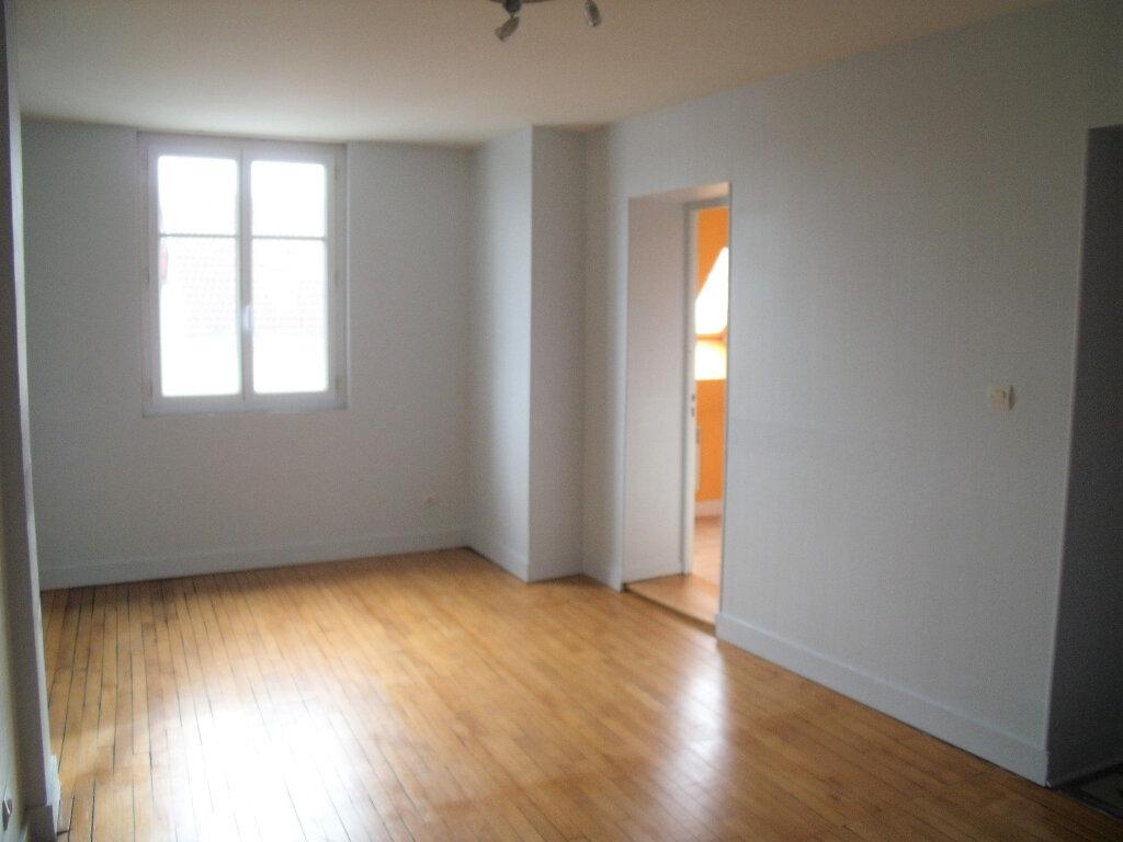 Appartement à louer 3 55.01m2 à Tours vignette-2