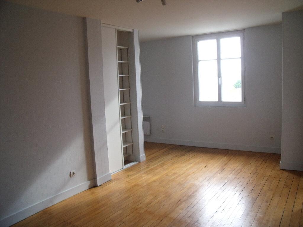 Appartement à louer 3 55.01m2 à Tours vignette-4