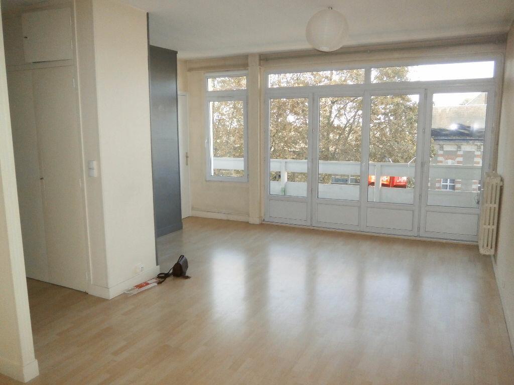 Appartement à louer 1 40.7m2 à Tours vignette-2
