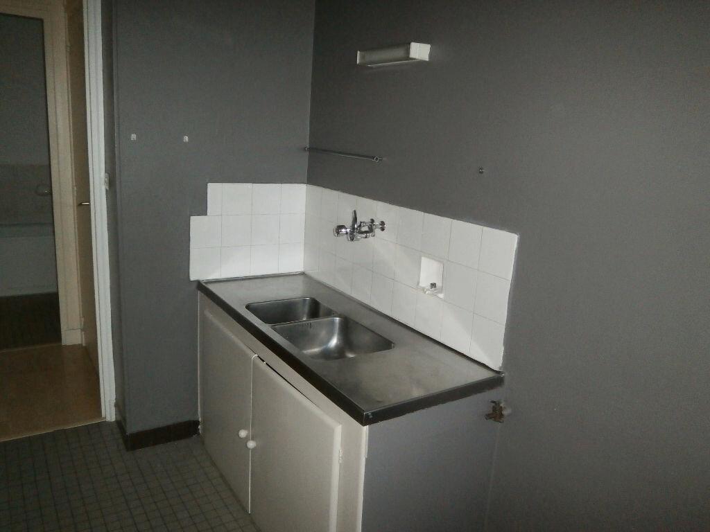 Appartement à louer 1 40.7m2 à Tours vignette-3