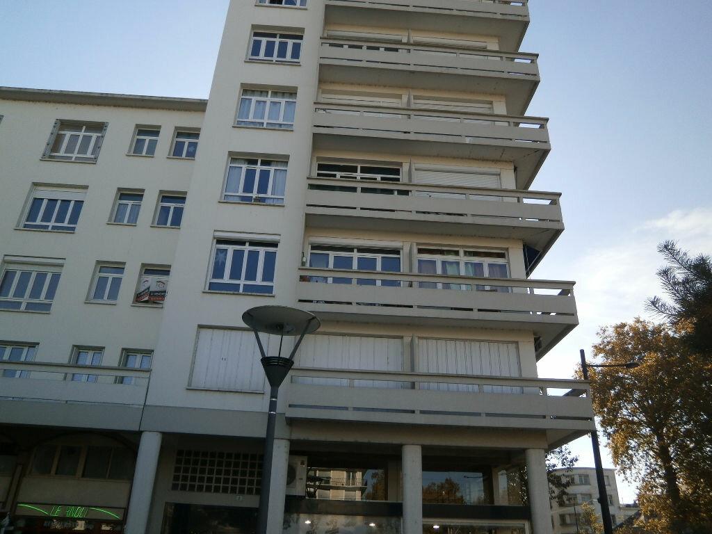 Appartement à louer 1 40.7m2 à Tours vignette-4