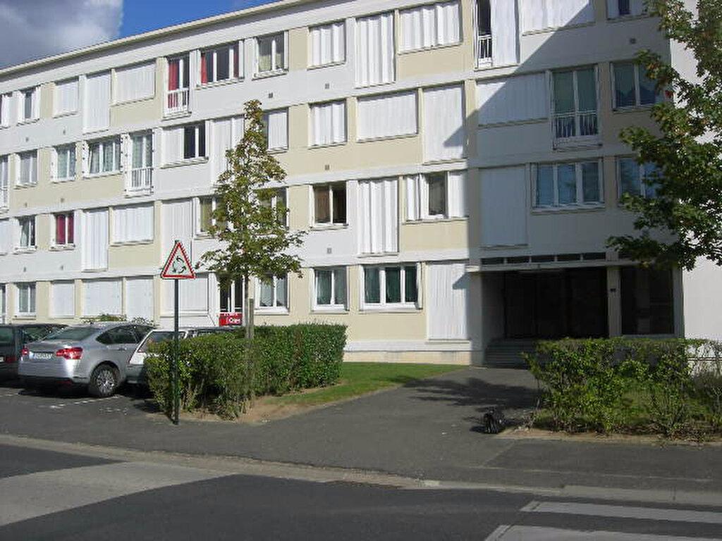 Appartement à louer 2 29.8m2 à Saint-Cyr-sur-Loire vignette-4
