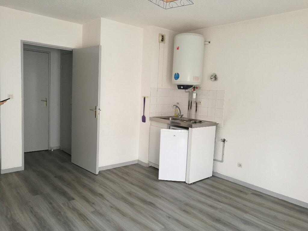 Appartement à louer 1 22.22m2 à Tours vignette-4