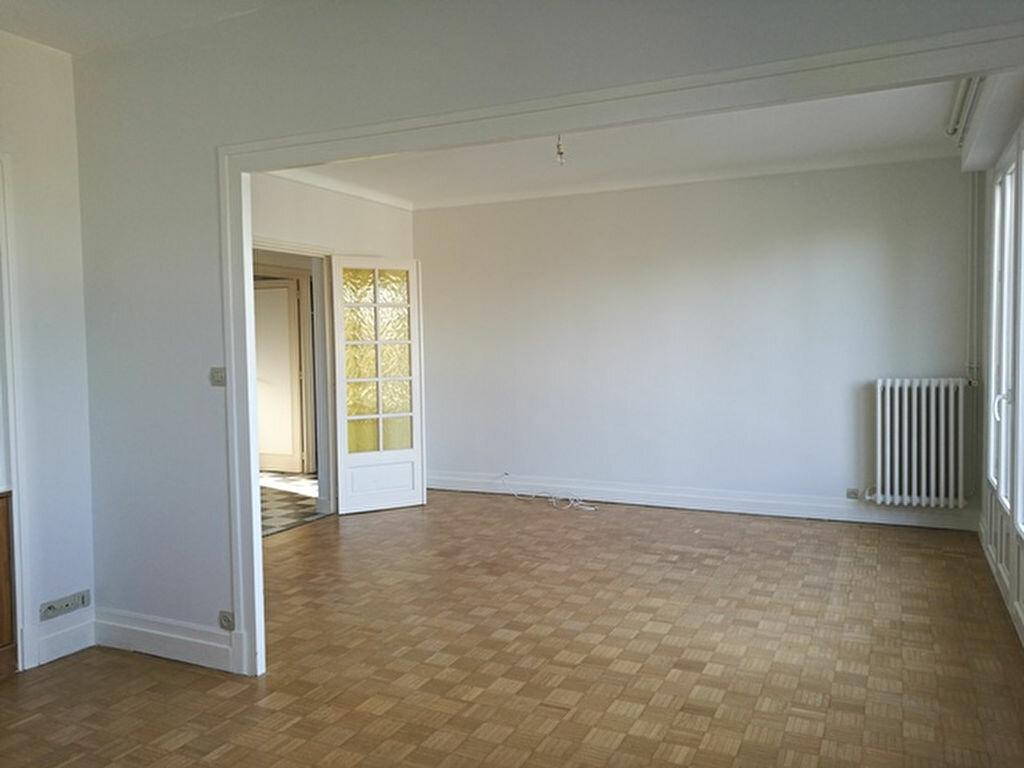 Appartement à louer 2 65.01m2 à Saint-Avertin vignette-1