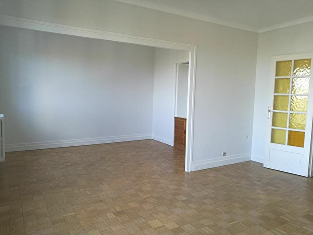 Appartement à louer 2 65.01m2 à Saint-Avertin vignette-2