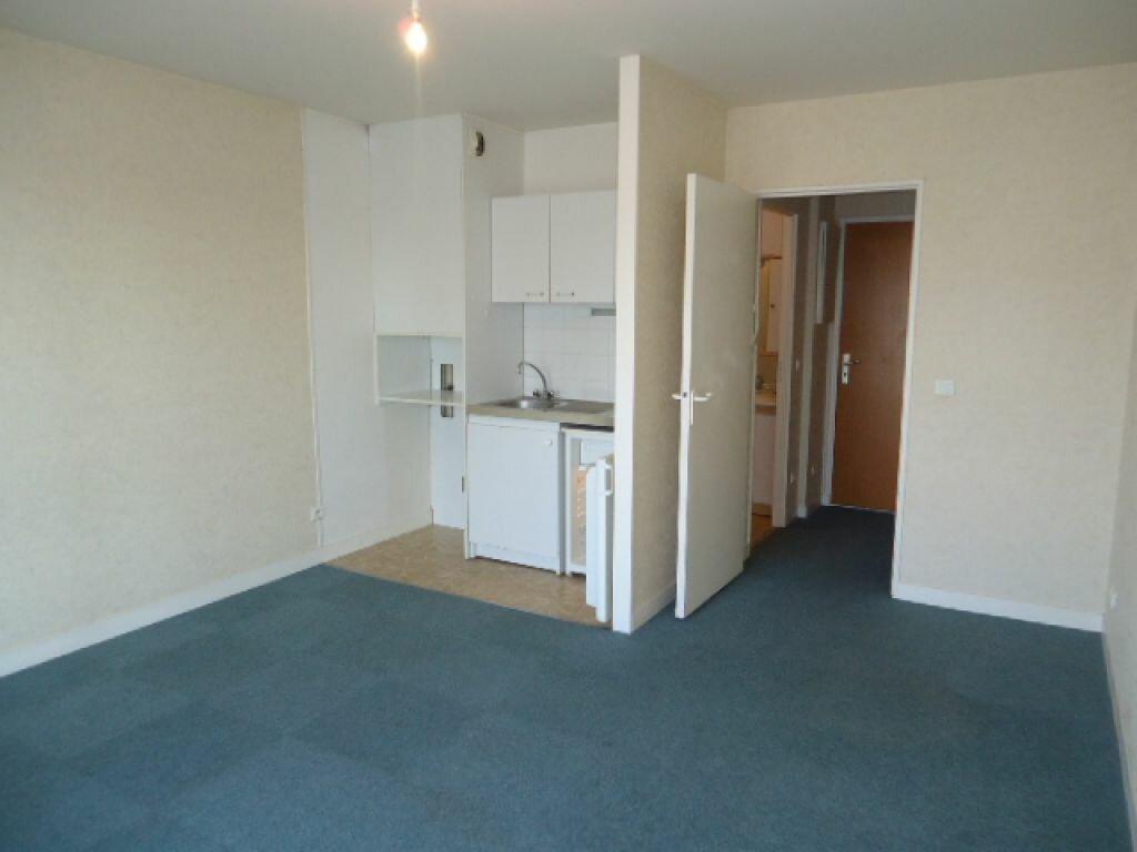 Appartement à louer 1 28.18m2 à Tours vignette-2