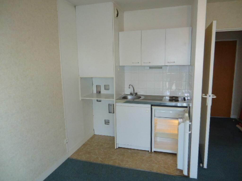 Appartement à louer 1 28.18m2 à Tours vignette-6