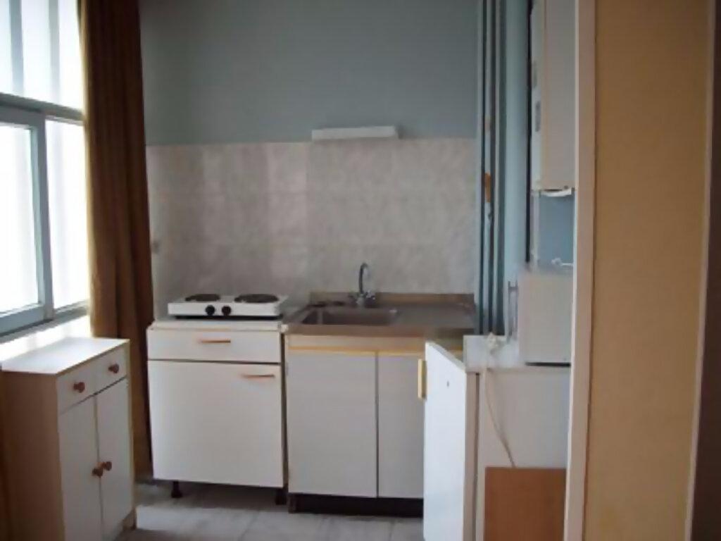 Appartement à louer 1 22.6m2 à Tours vignette-3