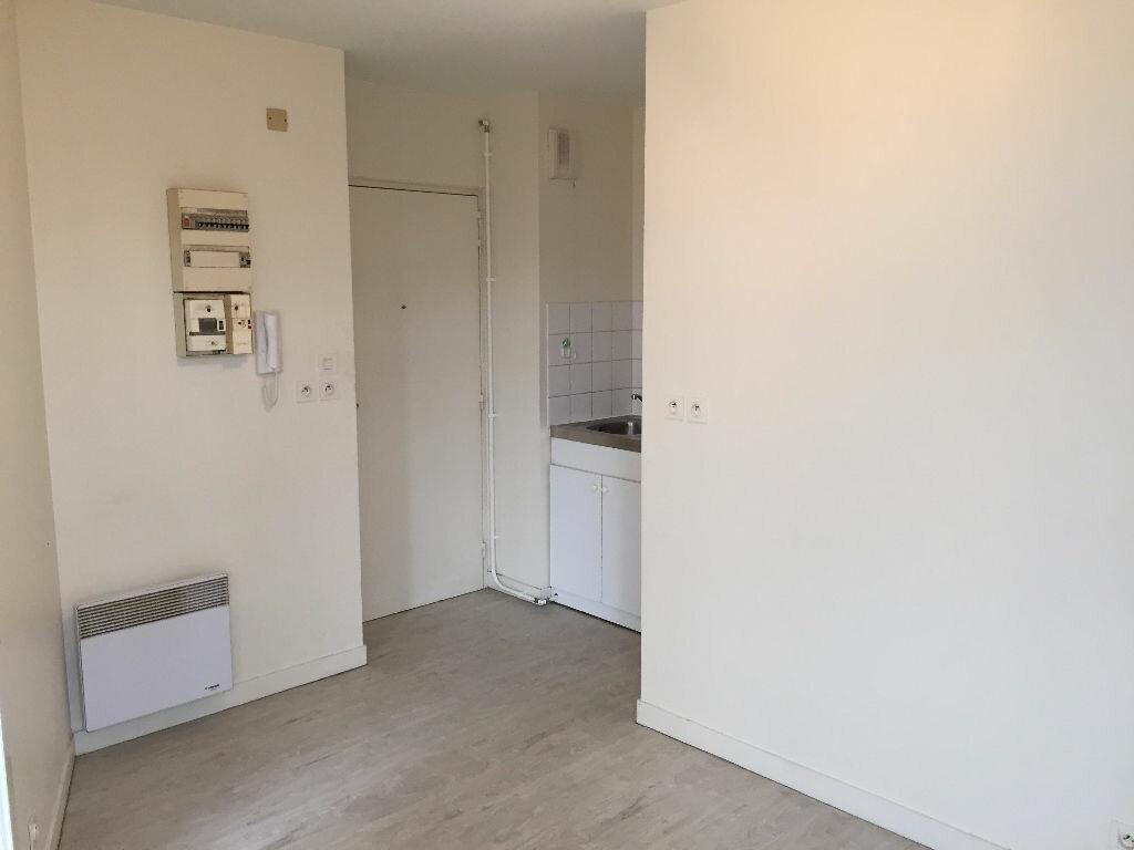 Appartement à louer 1 24.66m2 à Tours vignette-2