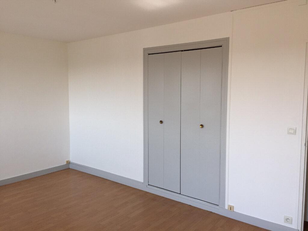 Appartement à louer 1 33.15m2 à Joué-lès-Tours vignette-4