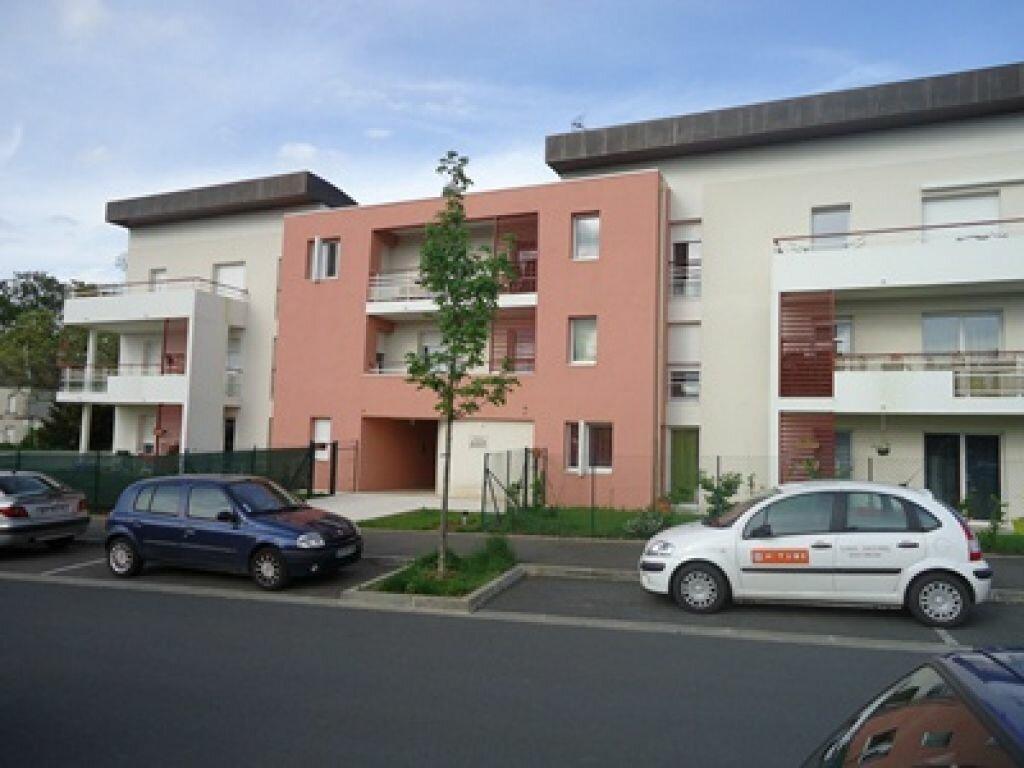 Appartement à louer 3 71.66m2 à Saint-Avertin vignette-1