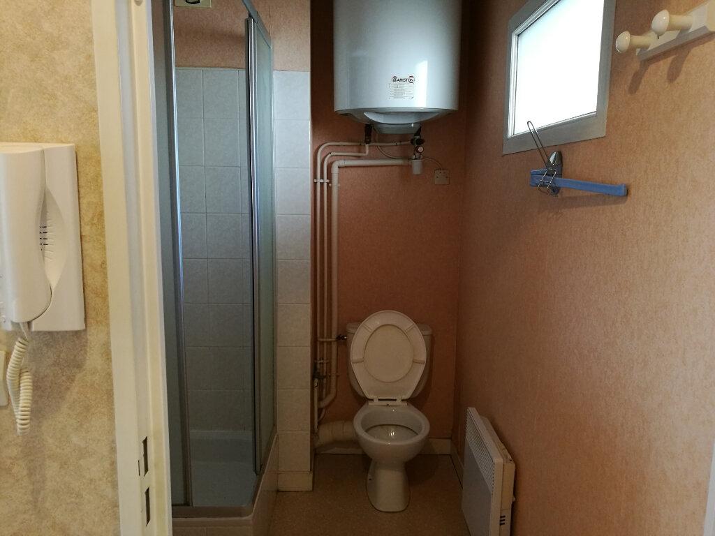 Appartement à louer 1 19.69m2 à Tours vignette-6