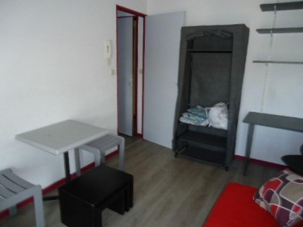 Appartement à louer 1 17.01m2 à Tours vignette-3
