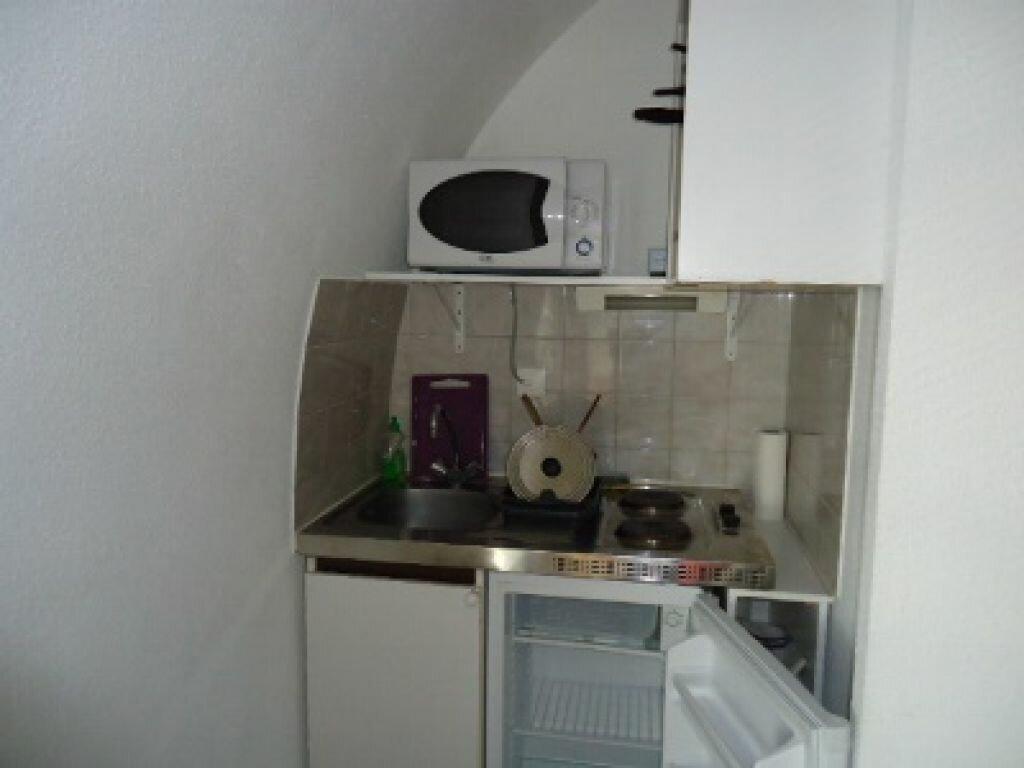 Appartement à louer 1 17.01m2 à Tours vignette-4