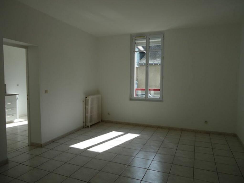 Appartement à louer 3 61.83m2 à Tours vignette-3
