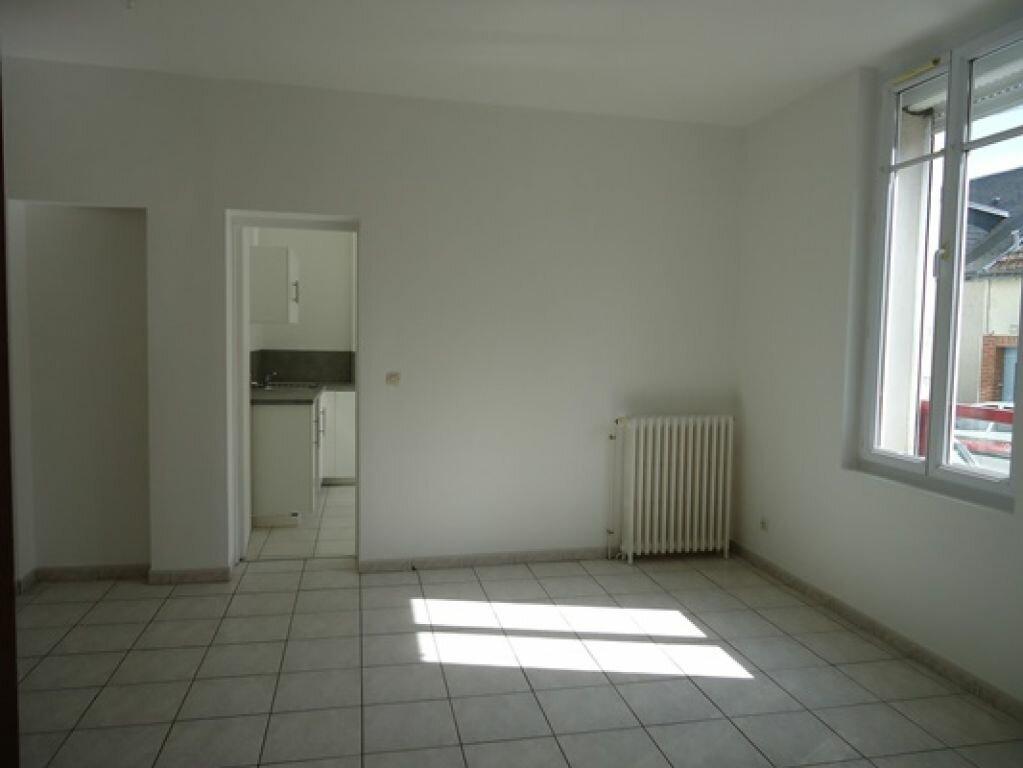 Appartement à louer 3 61.83m2 à Tours vignette-4