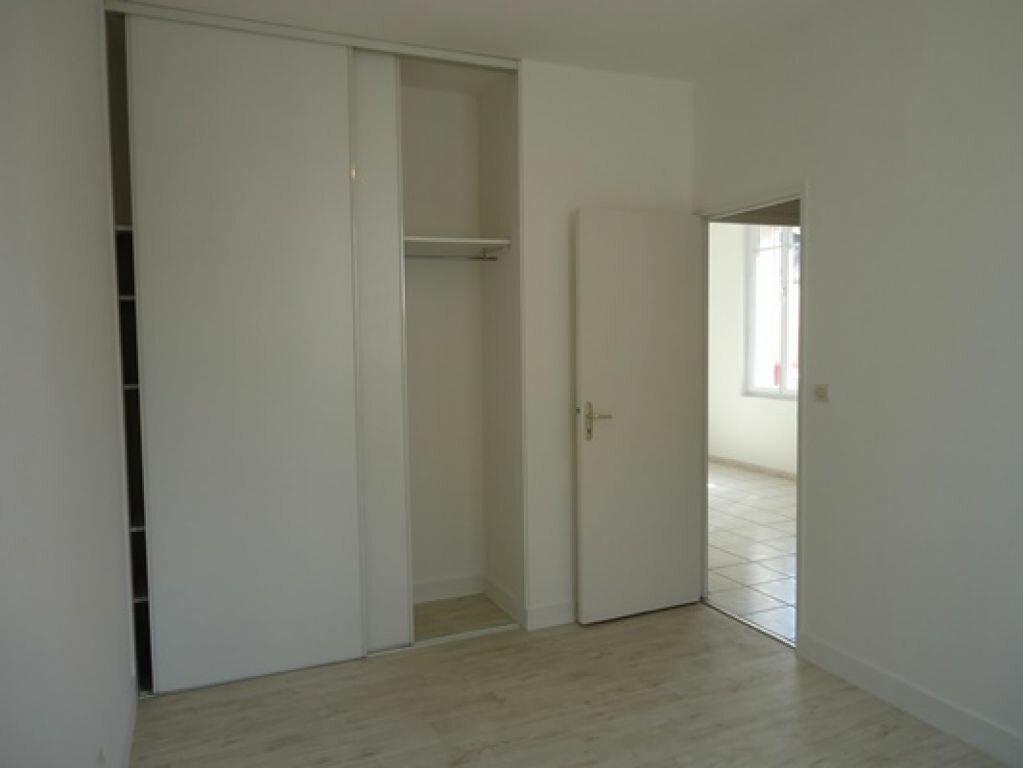 Appartement à louer 3 61.83m2 à Tours vignette-9