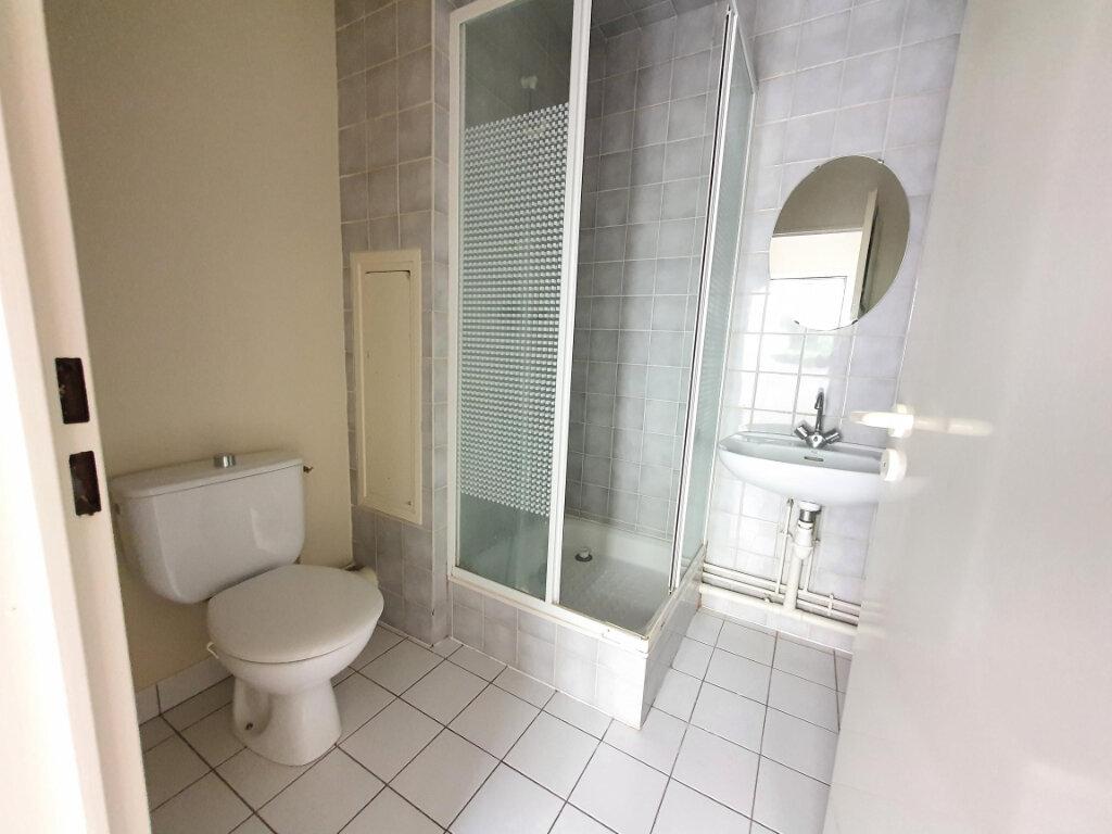 Appartement à louer 1 23.9m2 à Tours vignette-2