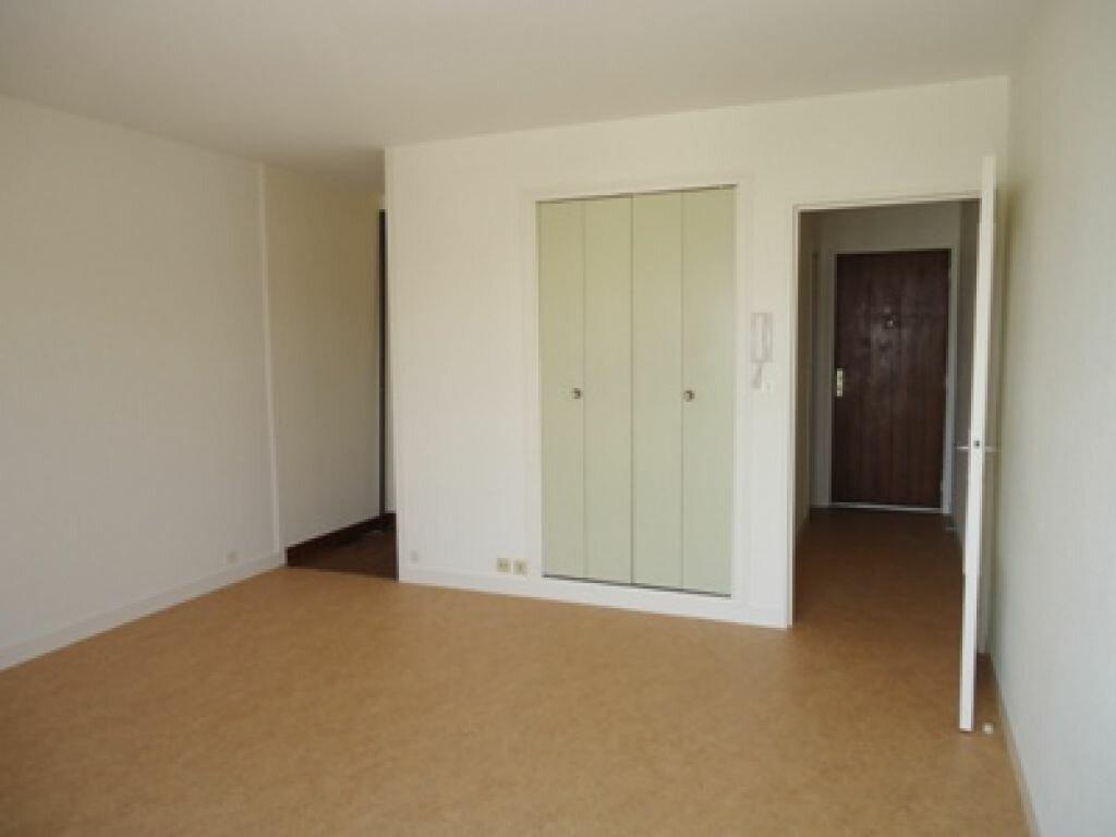 Appartement à louer 1 28.25m2 à La Riche vignette-2