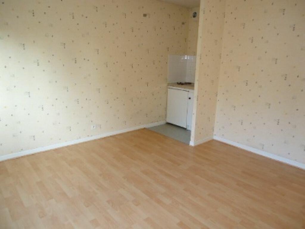 Appartement à louer 1 22.51m2 à Tours vignette-4