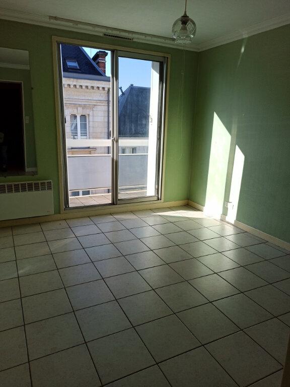 Appartement à louer 1 18.86m2 à Tours vignette-2