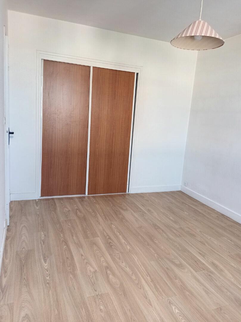Appartement à louer 1 28.5m2 à Tours vignette-2