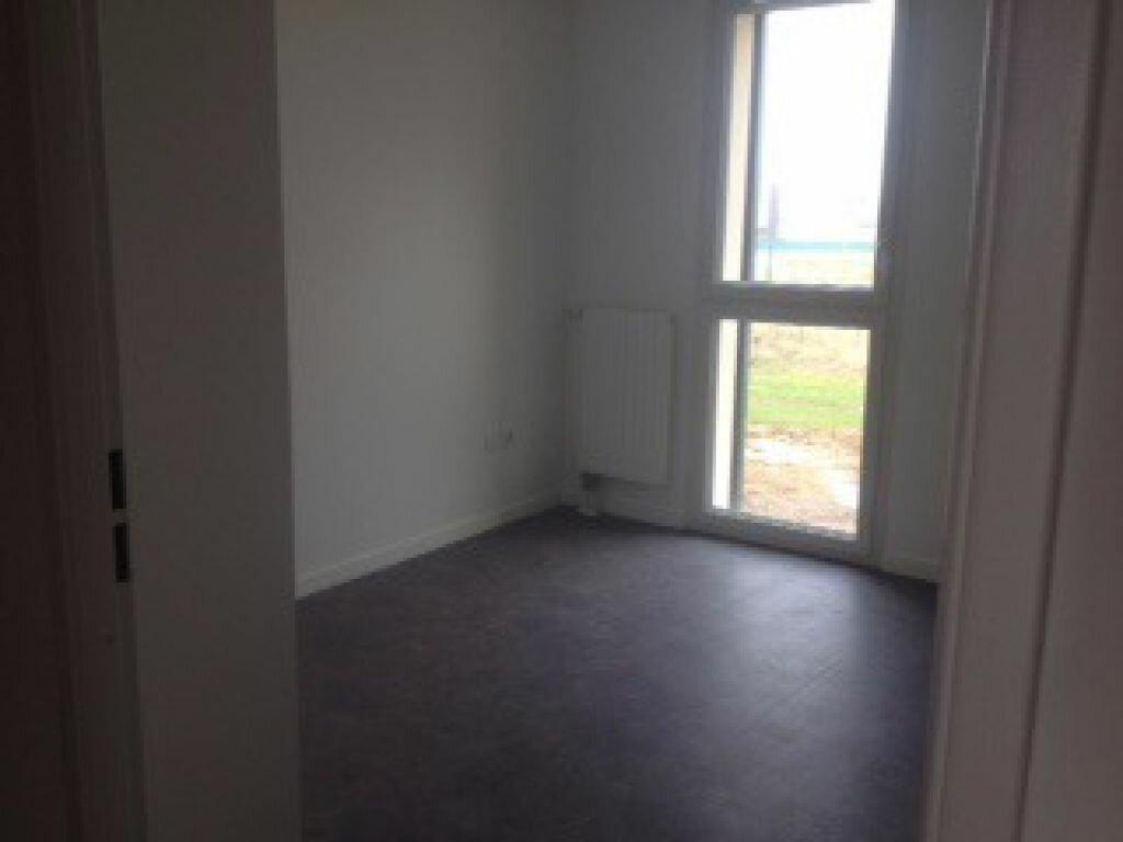 Appartement à louer 3 65.43m2 à Tours vignette-3