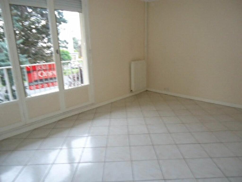 Appartement à louer 1 27.87m2 à Saint-Cyr-sur-Loire vignette-4