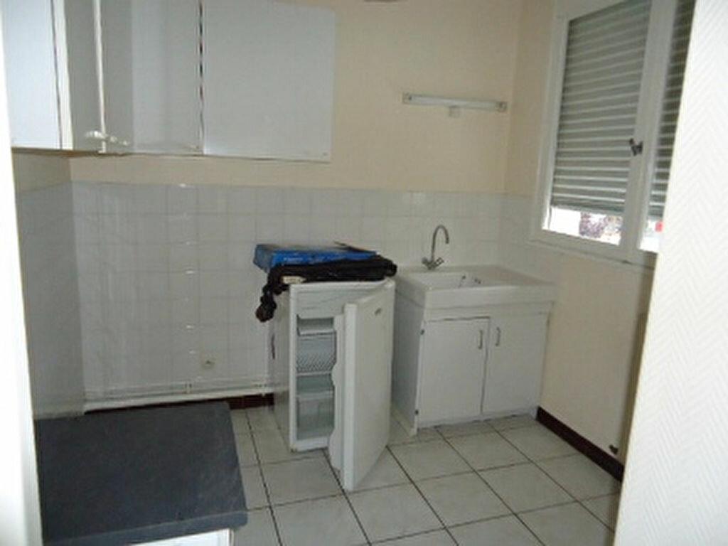 Appartement à louer 1 27.87m2 à Saint-Cyr-sur-Loire vignette-5
