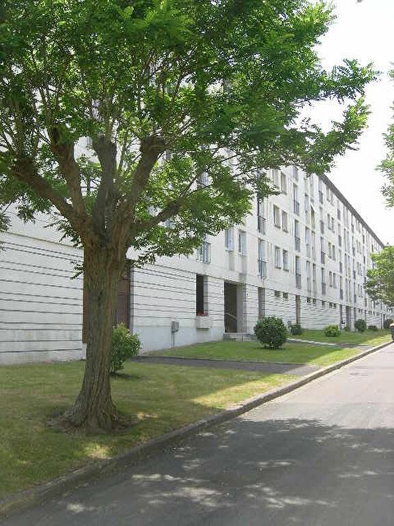 Appartement à louer 4 72.22m2 à Tours vignette-1