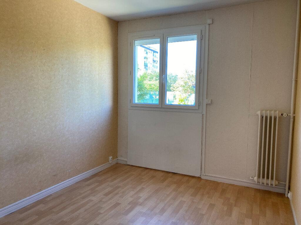 Appartement à louer 4 72.22m2 à Tours vignette-6