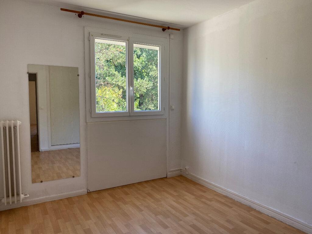 Appartement à louer 4 72.22m2 à Tours vignette-7