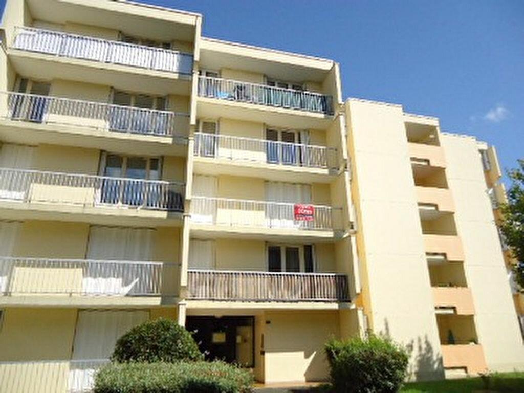Appartement à louer 2 41.88m2 à Saint-Avertin vignette-1
