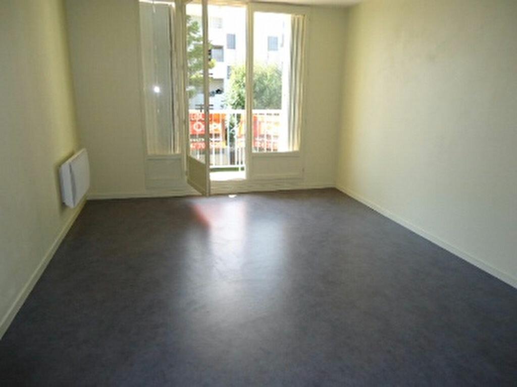 Appartement à louer 2 41.88m2 à Saint-Avertin vignette-2