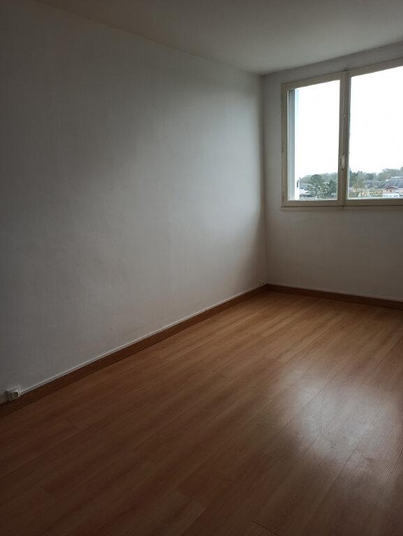 Appartement à louer 3 69.69m2 à Saint-Cyr-sur-Loire vignette-7