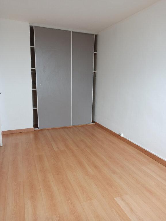 Appartement à louer 3 69.69m2 à Saint-Cyr-sur-Loire vignette-8