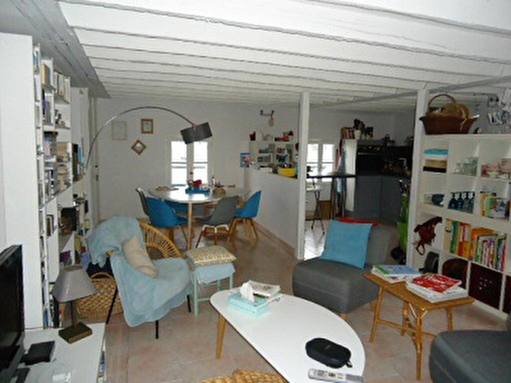 Appartement à louer 3 66.34m2 à Tours vignette-3