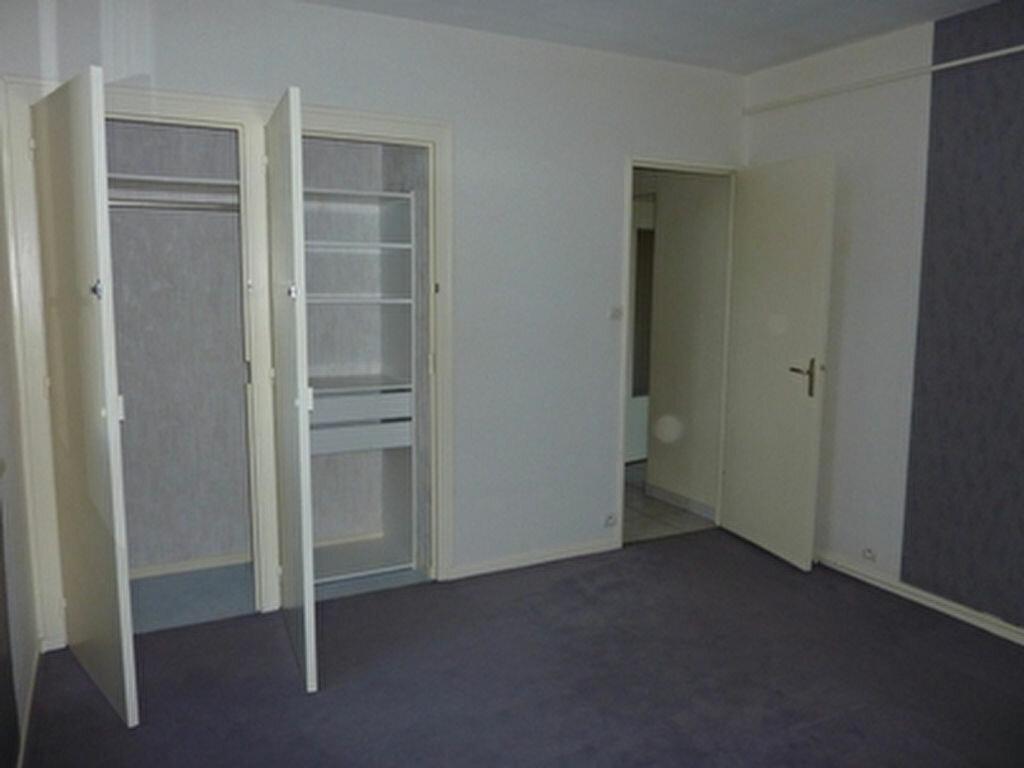 Appartement à louer 3 57.1m2 à Tours vignette-7