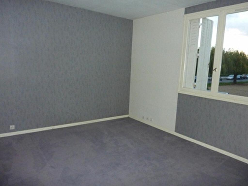 Appartement à louer 3 57.1m2 à Tours vignette-8