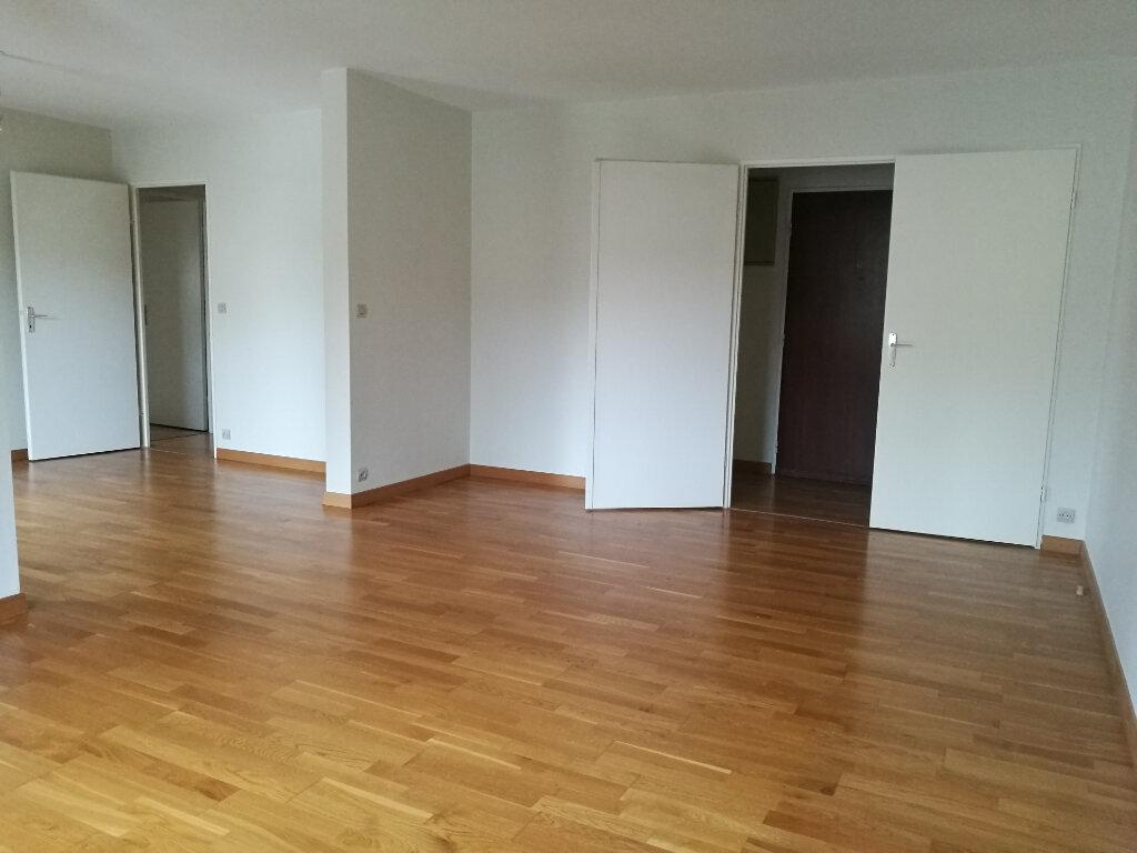 Appartement à louer 4 86.02m2 à Tours vignette-2