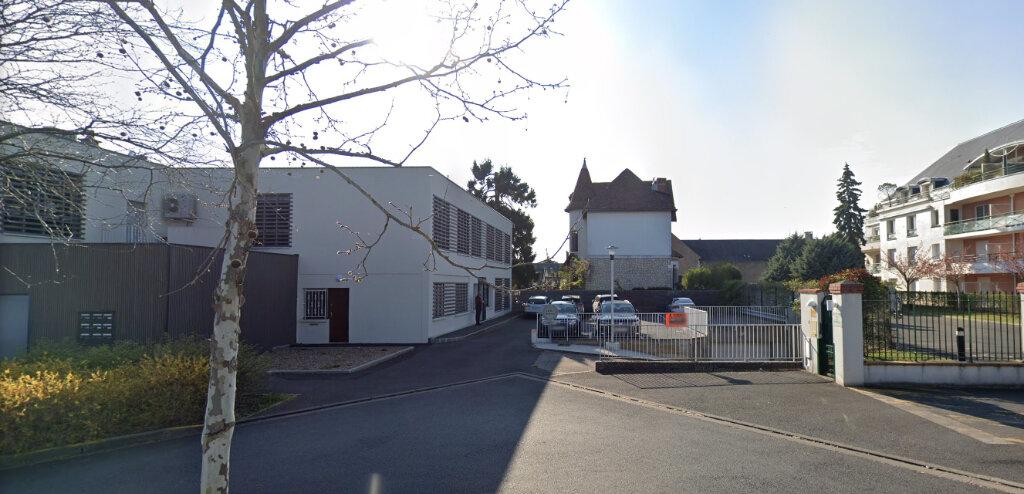 Stationnement à louer 0 12m2 à Saint-Cyr-sur-Loire vignette-1