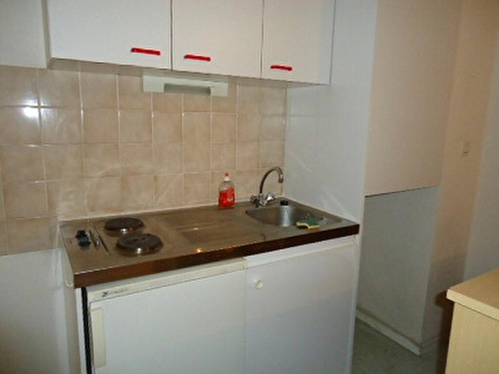 Appartement à louer 2 38.91m2 à Tours vignette-6