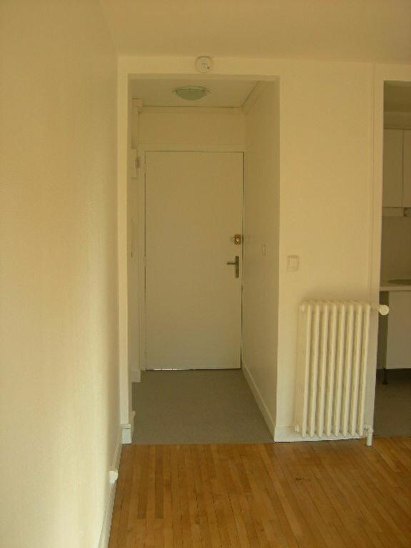 Appartement à louer 2 38.4m2 à Tours vignette-5