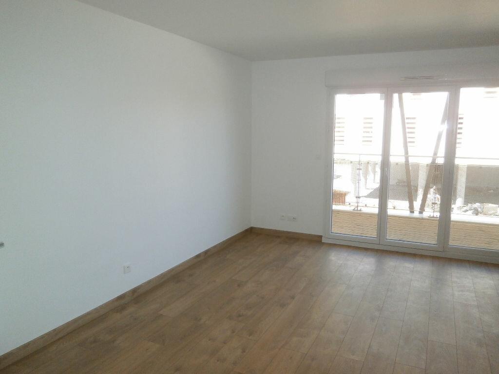 Appartement à louer 2 44.8m2 à Tours vignette-2