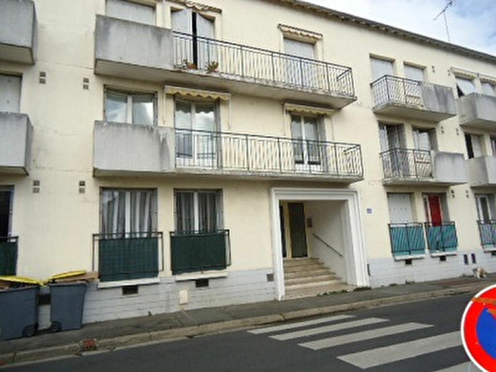 Appartement à louer 1 31.48m2 à Tours vignette-1